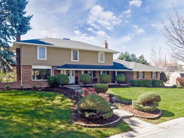 1856 E Baywood Dr S, Holladay, UT 84117 (MLS #1597574) :: Lawson Real Estate Team - Engel & Völkers