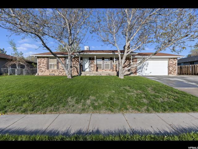 5224 S 3100 W, Roy, UT 84067 (#1598204) :: Colemere Realty Associates