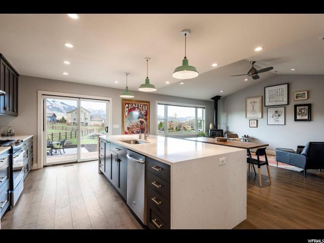 6243 N Parkridge Dr, Park City, UT 84098 (MLS #1599099) :: High Country Properties