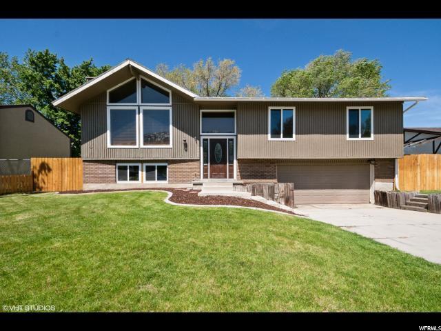9946 S Countrywood Dr, Sandy, UT 84092 (#1601163) :: goBE Realty