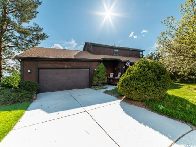8508 S Dynasty Way, Cottonwood Heights, UT 84121 (#1601416) :: goBE Realty