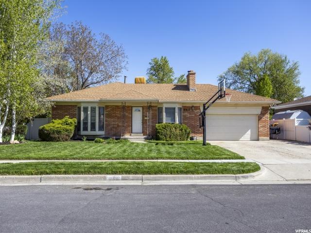 805 E Pinewood Dr. S, Sandy, UT 84094 (#1602585) :: Big Key Real Estate