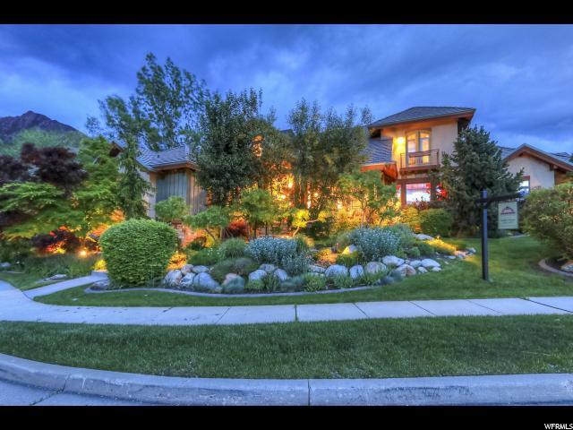 3386 E Canyon Creek Dr S, Cottonwood Heights, UT 84121 (#1603439) :: Colemere Realty Associates