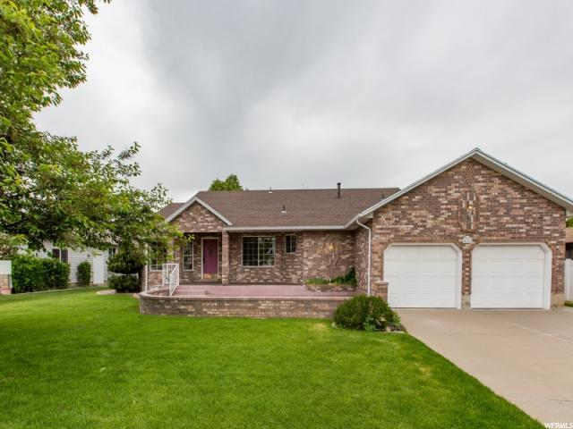 4163 S 2225 W, Roy, UT 84067 (#1603534) :: Colemere Realty Associates