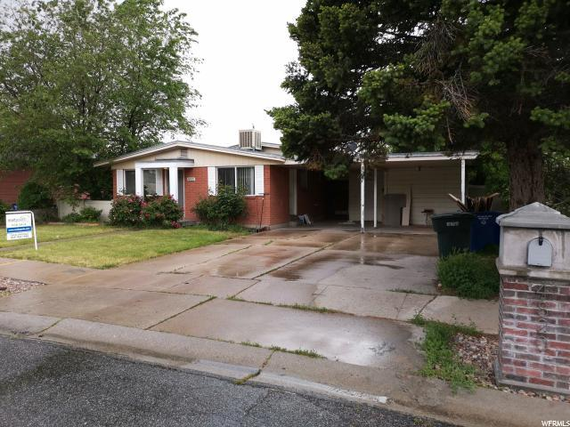 4820 W 3850 S, West Valley City, UT 84120 (#1603671) :: Colemere Realty Associates