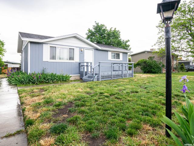 6464 W 3860 S, West Valley City, UT 84128 (#1603681) :: Colemere Realty Associates