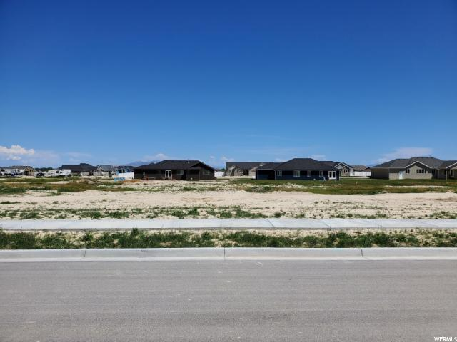 707 E Morning Dew Cir, Grantsville, UT 84029 (#1605149) :: goBE Realty