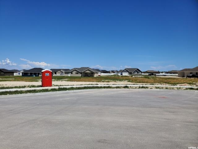 731 E Morning Dew Cir, Grantsville, UT 84029 (#1605155) :: goBE Realty