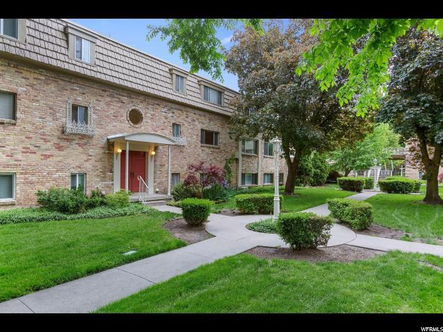 2220 E Murray Holladay Rd, Holladay, UT 84117 (#1605416) :: goBE Realty