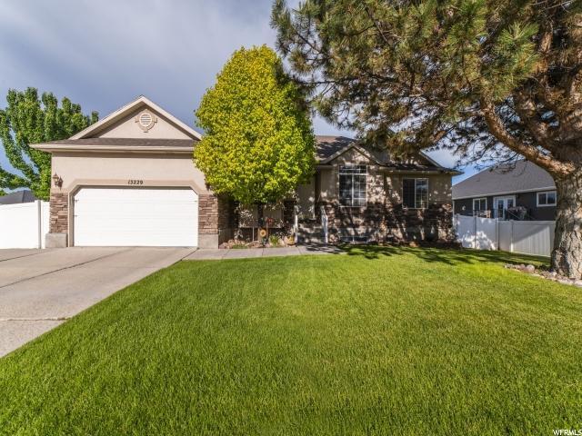 13229 S 2600 W, Riverton, UT 84065 (#1607013) :: Big Key Real Estate
