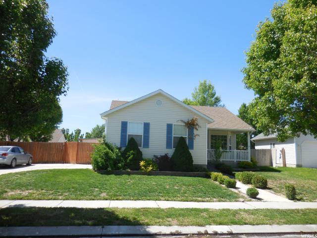 1860 E Dove Way N, Eagle Mountain, UT 84043 (#1608274) :: Bustos Real Estate | Keller Williams Utah Realtors