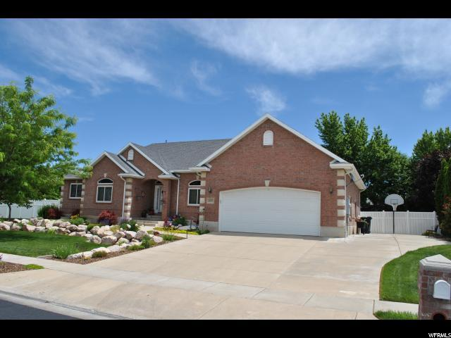1377 S 2300 W, Syracuse, UT 84075 (#1608607) :: Doxey Real Estate Group