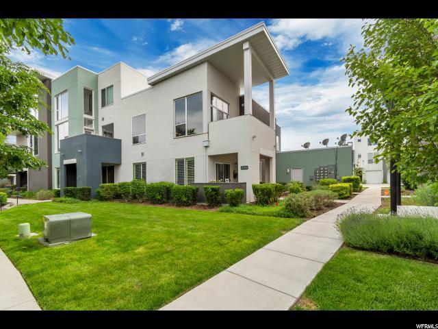 10384 S Clarks Hill Dr #105, South Jordan, UT 84009 (#1609115) :: Bustos Real Estate | Keller Williams Utah Realtors