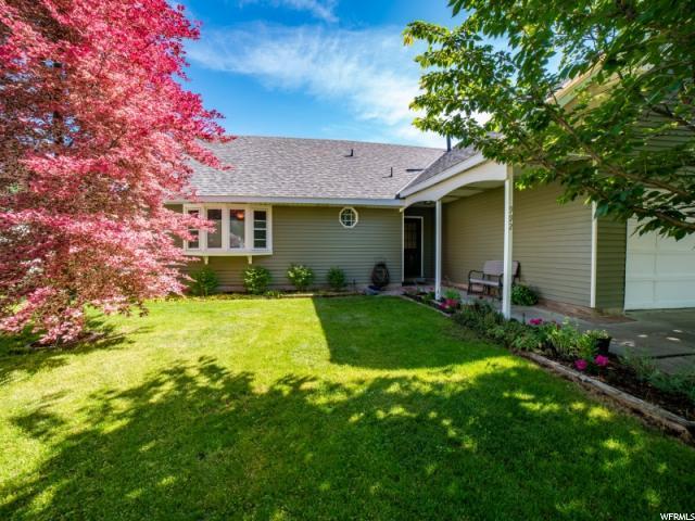 992 W Halcyon Dr, Murray, UT 84123 (#1609169) :: Bustos Real Estate | Keller Williams Utah Realtors