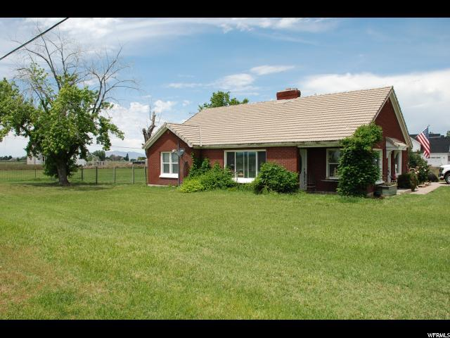 7112 W 5500 S, Hooper, UT 84315 (#1609274) :: Doxey Real Estate Group