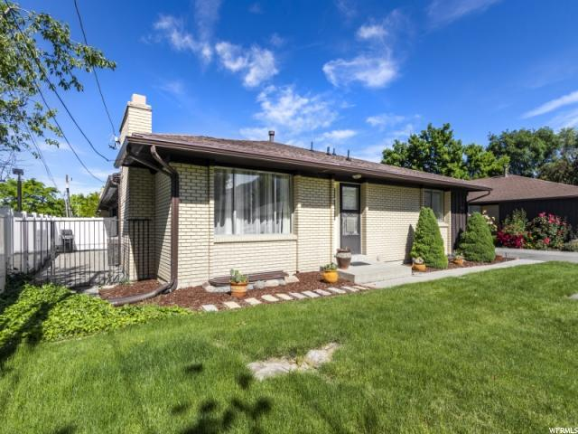 4610 S Locust Ln E, Holladay, UT 84117 (#1609333) :: The Utah Homes Team with iPro Realty Network