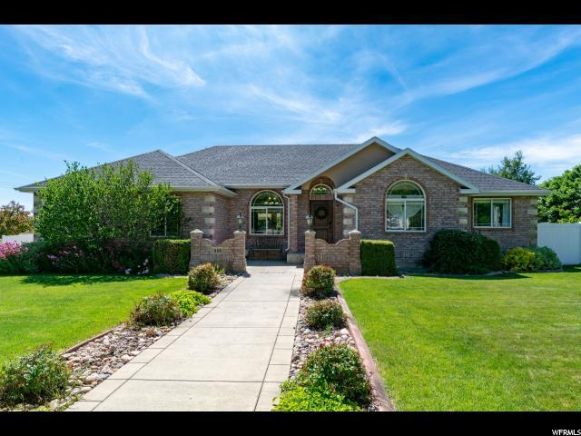 908 Andes Dr, Alpine, UT 84004 (#1609409) :: goBE Realty