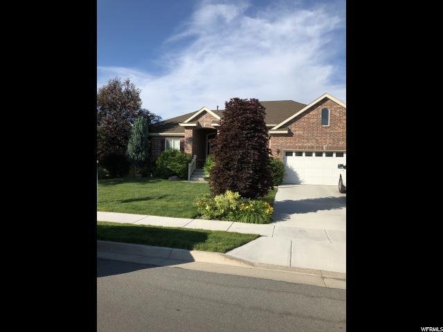 137 S Wellington Dr W, Kaysville, UT 84037 (#1609558) :: Doxey Real Estate Group