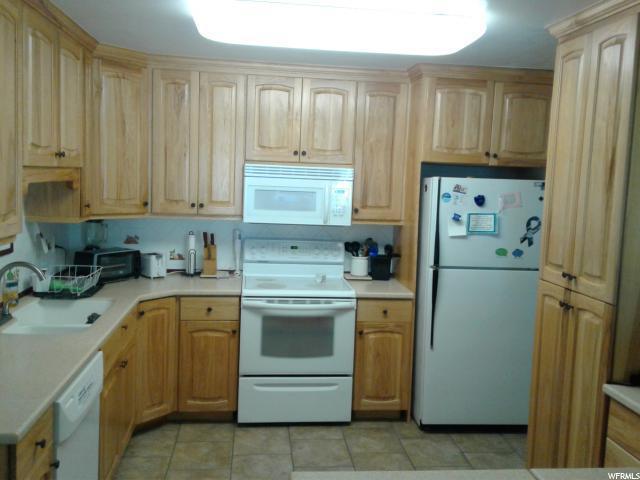 2263 E Tara Ln #1, Holladay, UT 84117 (#1609687) :: Bustos Real Estate | Keller Williams Utah Realtors