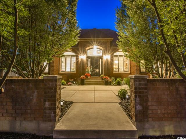 677 E Woodland Valley Dr S, Kaysville, UT 84037 (#1609701) :: Doxey Real Estate Group