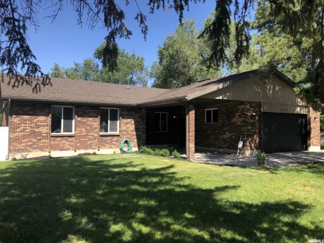 9268 S Shad Ln, Sandy, UT 84093 (#1609817) :: Bustos Real Estate | Keller Williams Utah Realtors