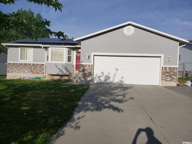 341 Plaza Cir, Grantsville, UT 84029 (#1609838) :: Colemere Realty Associates