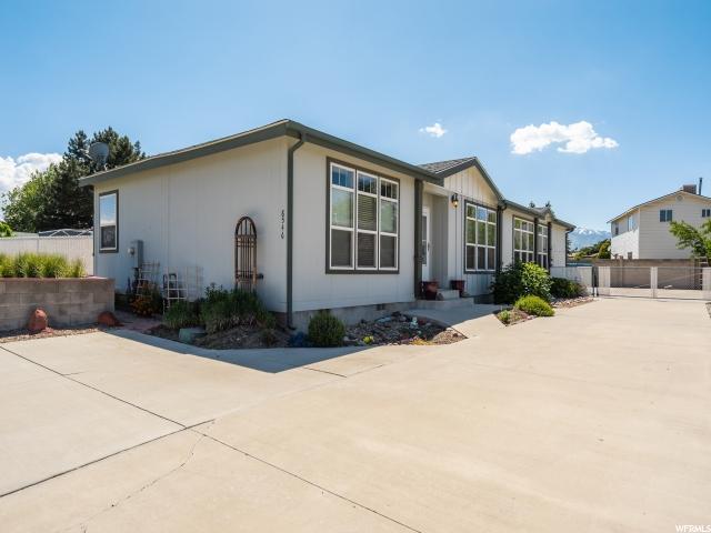 8546 S Saddler Dr, West Jordan, UT 84088 (#1611254) :: Bustos Real Estate   Keller Williams Utah Realtors