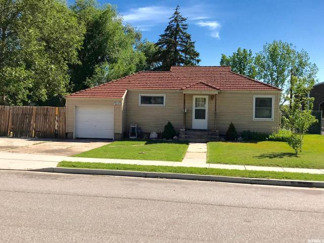 584 E Maple St. S, Clearfield, UT 84015 (#1611273) :: Red Sign Team