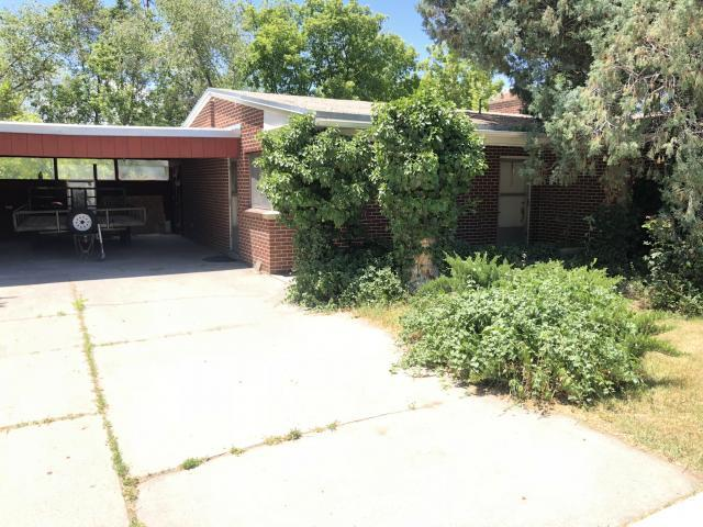 5266 S Holladay Blvd, Holladay, UT 84117 (#1611628) :: Colemere Realty Associates