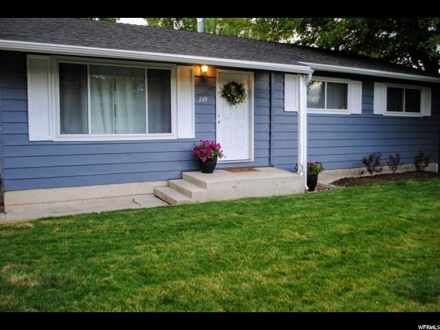 229 E Cherry St, Grantsville, UT 84029 (#1612130) :: Colemere Realty Associates