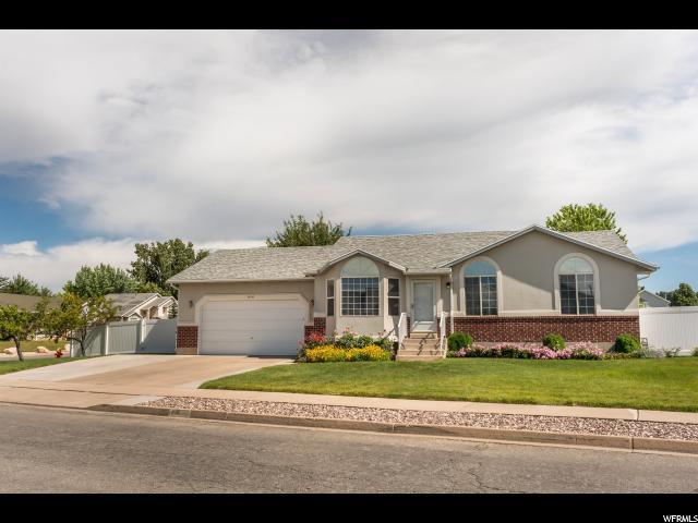916 W 2350 N, Layton, UT 84041 (MLS #1612724) :: Lawson Real Estate Team - Engel & Völkers