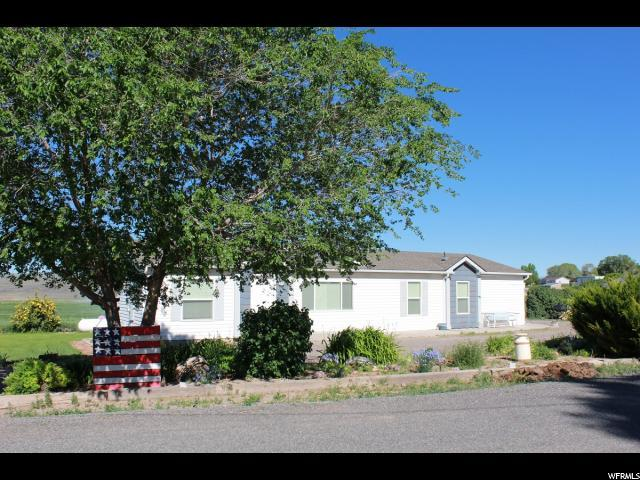 270 S 100 E, Bicknell, UT 84715 (#1612952) :: Red Sign Team