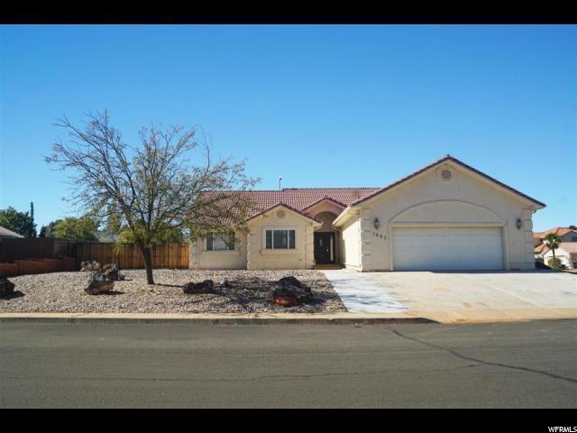 1807 Desert Dawn Dr, Santa Clara, UT 84765 (#1613265) :: goBE Realty
