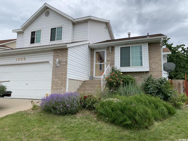 1952 E Sunset Dr, Layton, UT 84040 (#1613549) :: Bustos Real Estate | Keller Williams Utah Realtors