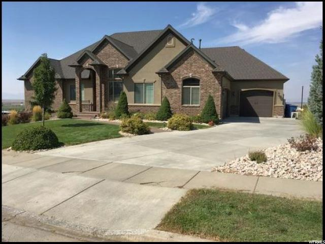 1820 S 225 W, Perry, UT 84302 (#1614306) :: Red Sign Team