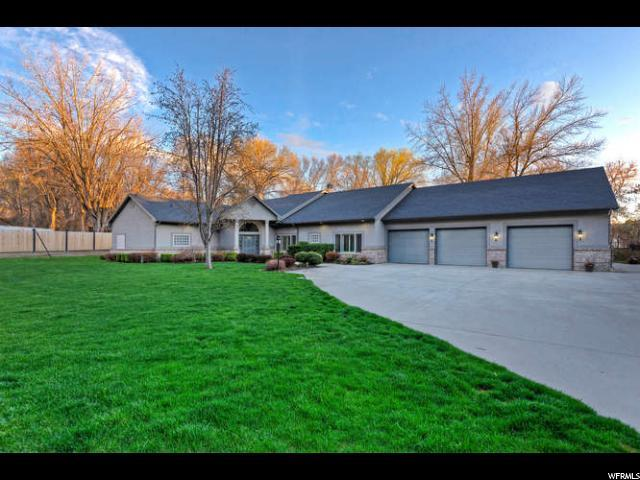 1860 E Forest Bend Dr, Cottonwood Heights, UT 84121 (#1614549) :: Red Sign Team