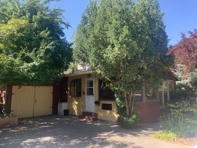 1906 E La Cresta Drive, Cottonwood Heights, UT 84121 (#1616417) :: goBE Realty