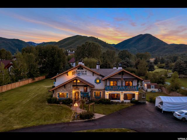 1045 Homestead Dr, Midway, UT 84049 (#1616453) :: The Canovo Group