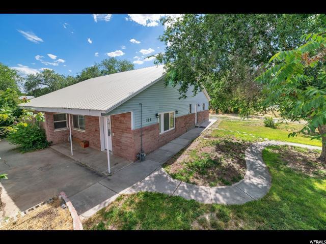 325 W Apple St, Grantsville, UT 84029 (#1616679) :: Big Key Real Estate