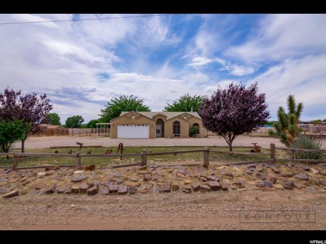 8015 N Sapphire, Diamond Valley, UT 84770 (#1616829) :: Colemere Realty Associates