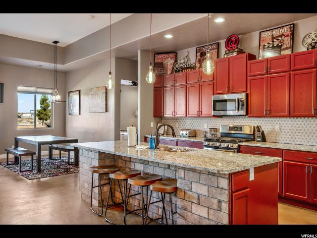 3242 S 4900 W, Hurricane, UT 84737 (#1617171) :: Doxey Real Estate Group