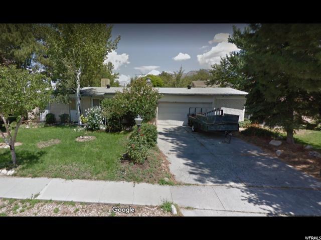 2565 E Woodchuck Way S, Sandy, UT 84093 (#1617285) :: goBE Realty