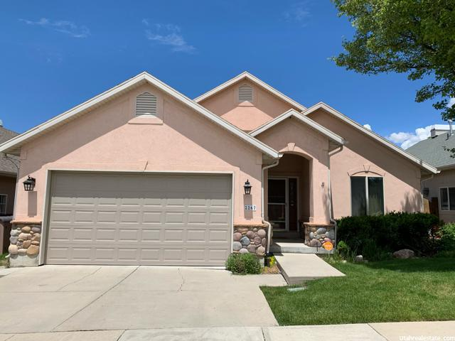 2267 E Spruce View Ct, Millcreek, UT 84109 (#1617634) :: Colemere Realty Associates