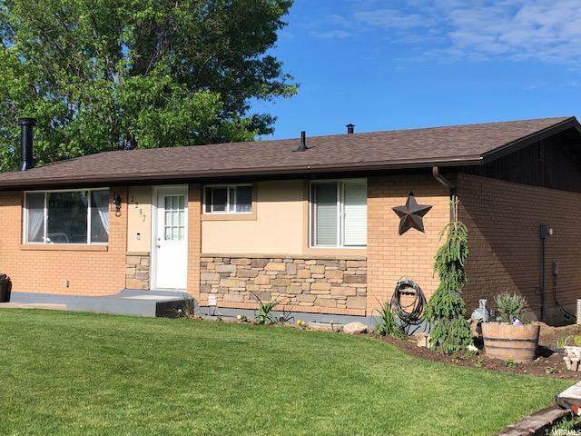 2257 N 700 W, Clinton, UT 84015 (MLS #1617760) :: Lawson Real Estate Team - Engel & Völkers