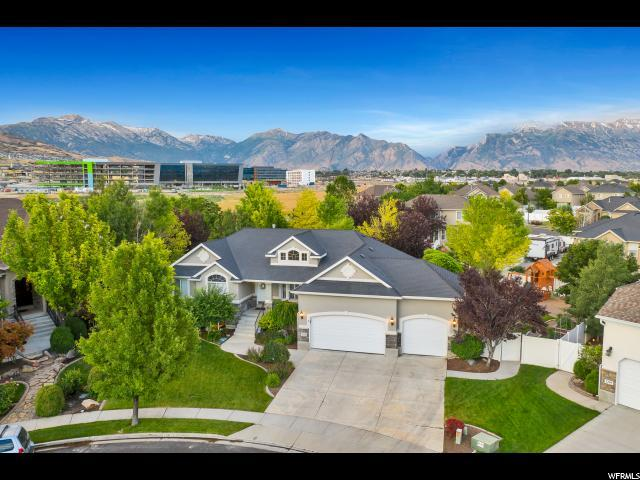 2318 W Pointe Meadow Dr, Lehi, UT 84043 (#1618186) :: Colemere Realty Associates