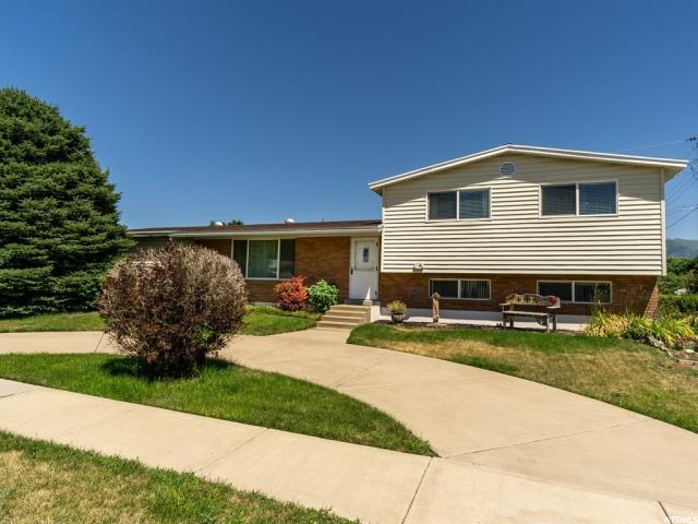 1052 N Mala Dr W, Layton, UT 84041 (#1618223) :: Exit Realty Success