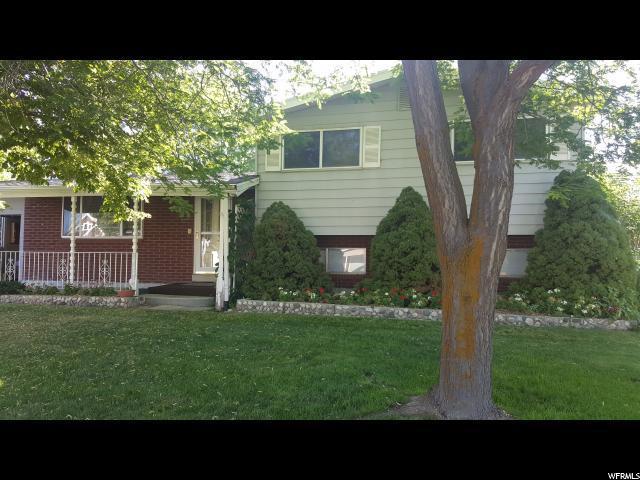811 S 300 E, Centerville, UT 84014 (MLS #1618280) :: Lawson Real Estate Team - Engel & Völkers