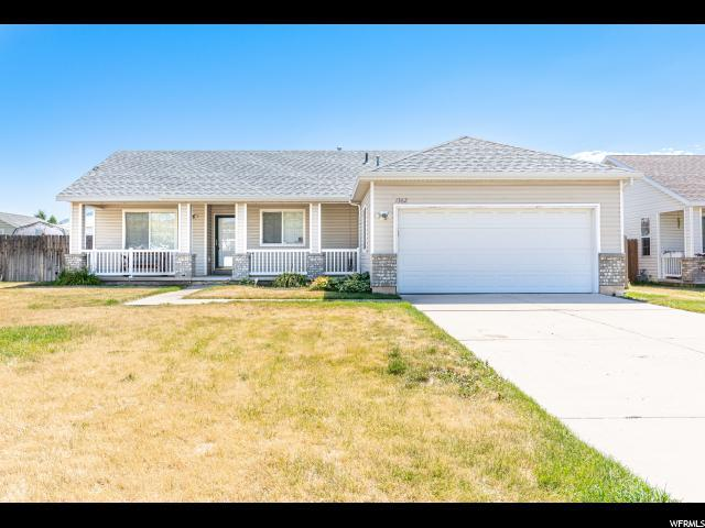 1362 N 2200 W, Layton, UT 84041 (#1618460) :: The Muve Group