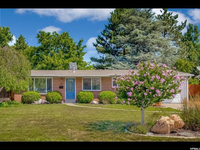 443 E Bradley Way, Sandy, UT 84070 (#1618647) :: Big Key Real Estate