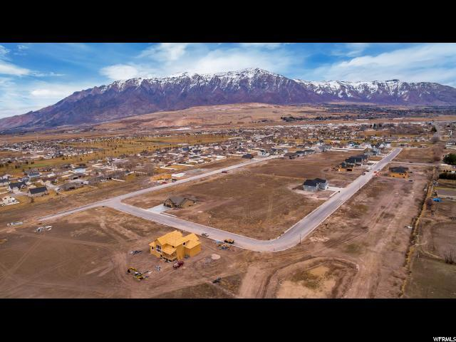 2880 W 3325 N, Farr West, UT 84404 (#1619090) :: Colemere Realty Associates